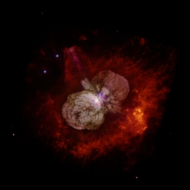 Star Eta Carinae is blowing up and becoming the Homunculus Nebula